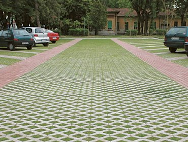 Green parking lots_66