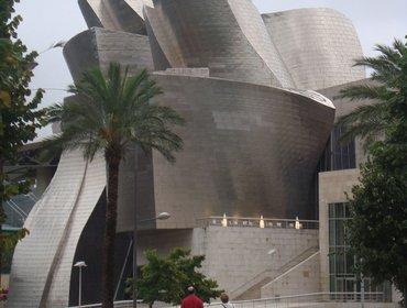 Guggenheim_museum_bilbao_01