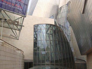 Guggenheim_museum_bilbao_14