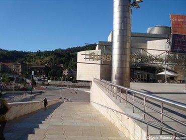 Guggenheim_museum_bilbao_54